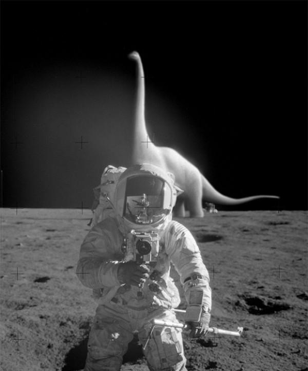 astronaut dinosaur
