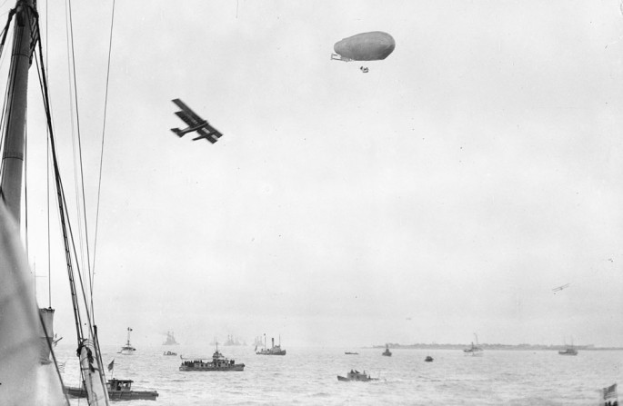 1922 = Boats, airplane and airship - Library of Congress