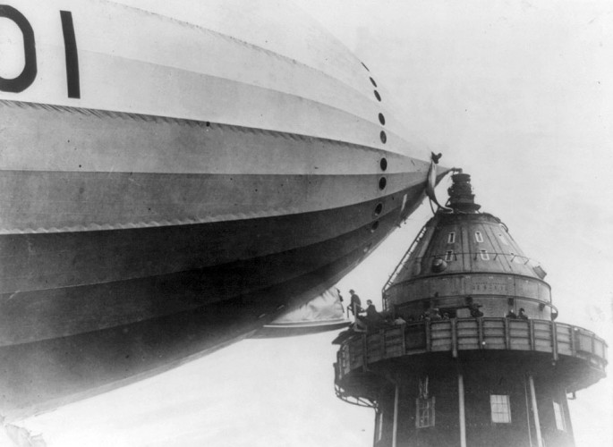 1920 - British M.P.s walk onto an airship in Cardington, England - Library of Congress