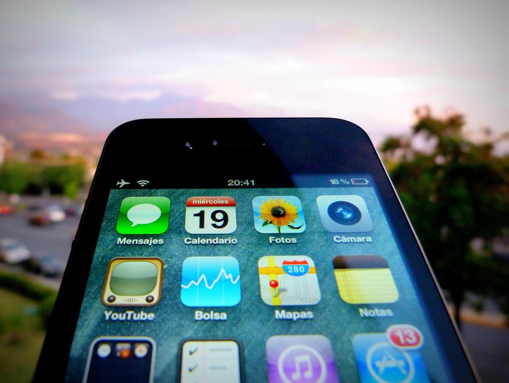 iPhone screen photo by Gonzalo Baeza H