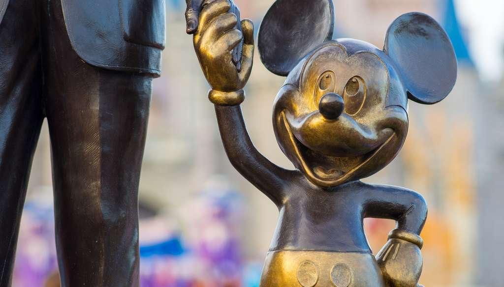 mickey disney statue